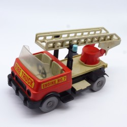 Playmobil Petit Garçon avec Casquette Rouge